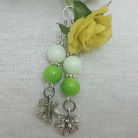Green Shamrock Spring Earrings,Grape Leaf Earring,Apple Green Earring,Mood Earring,Spring Jewelry,St Patrick's Day Jewelry,Glass Beads,Her