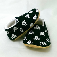 Skull and Crossbones Baby Shoes, Halloween Pirate Baby Booties for Boys or Girls