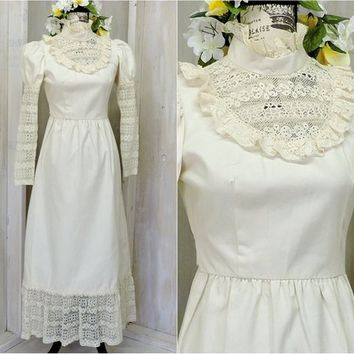 60s 70s Boho wedding dress / Ivory / Bohemian / Hippie / Renaissance / size XS / S