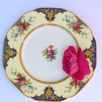 Set of 12 luncheon plates in the Westminster pattern by Crown Ducal