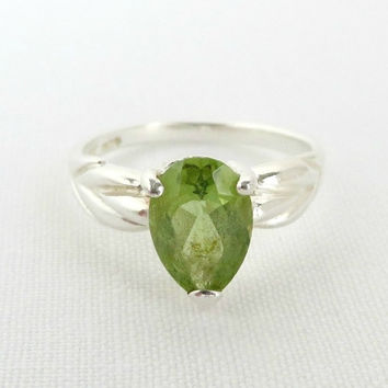 Sterling Silver Peridot Ring, Vintage Pear Shaped Peridot Ring, Antique Silver Ring Size 5
