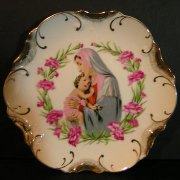Lovely Vintage Dee Bee Company Gold Trimmed Plate Depicting Virgin Mother and Child