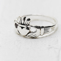 Claddagh Ring in Silver - Urban Outfitters