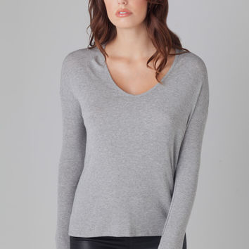 Nili Lotan L/S V-Neck Tee in Grey