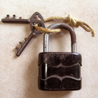 1940s 1950s Antique Lock with Key, Vintage Padlock with Key, Works Well