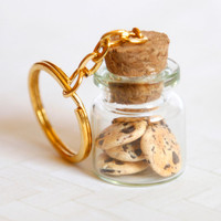 Chocolate chip cookies in a jar keychain