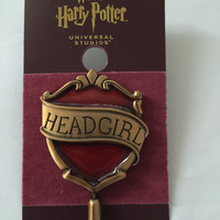 Universal Studios Harry Potter Gryffindor Head Girl Pin New with Card
