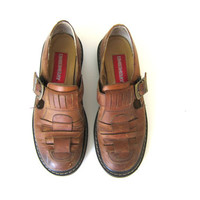 vintage brown sandals. strappy leather buckle shoes heels / women's size 9