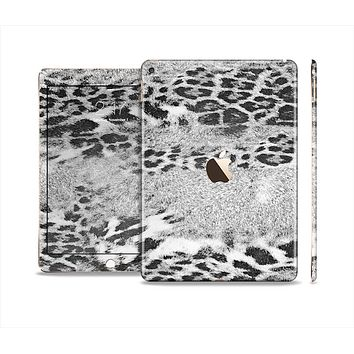 The White and Black Real Leopard Print Skin Set for the Apple iPad Air 2