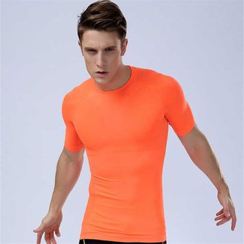 2018 Men Workout GYM Fitness Tops Tee Sport Run Yoga Train Male Quick Dry Compression Exercise Muslce Bodybuilding T Shirt MA02