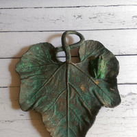 Bronze Frog on Leaf Tray/ Frog on Lilly Pad/ Antique Bronze Frog/ Frog Sculpture/ Catch All Tray/ Bronze Decorative Tray