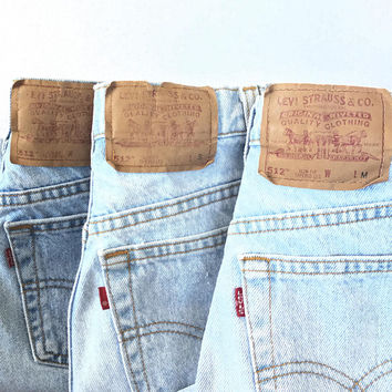 Light Wash Levis 512 Size 24 25 26 27 28, Vintage Levis High Waist Slim Fit Tapered Leg Mom Jeans 24 25 26 27 28 inch waist