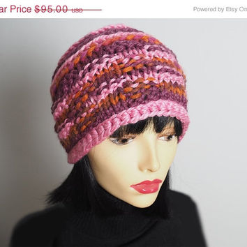 Handmade red & pink hat - Ready to ship - Chunky knit hat - Crochet cloche - Womans winter hat - OOAK hat - Teen girl hat - Valentine hat