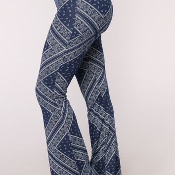 Lindsey Print Flare Pants - Navy/White