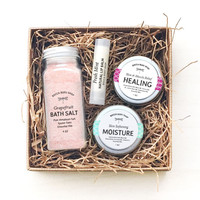 Body Balance Spa Gift Set with Bath Salts, Healing Balm, Skin Softening Moistura, Natural Lip Balm
