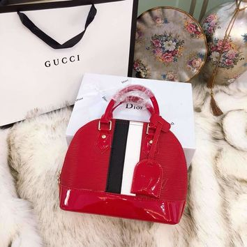 Louis Vuitton LV New Fashion Women Shopping Bag Leather Crossbody Satchel Shell Type Handbag Shoulder Bag Red I-BCZ(CJZX)