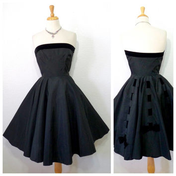 Vintage 1950s Black Strapless Cocktail Dress Cameo New York Full Skirt Velvet Trim Bows Dress Size Small