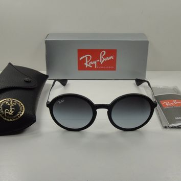 RAY-BAN ROUND SUNGLASSES RB4222 622/8G BLACK FRAME/GRAY GRADIENT LENS 50MM