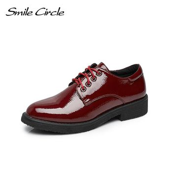 Smile Circle Women Oxford Shoes Patent leather Lace-up Flats Shoes Women boat Shoes Round toe Flats Black Red Casual Shoes