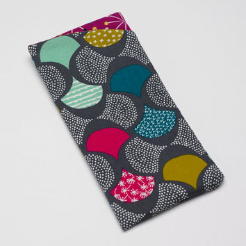 Sunglasses Case, Eyeglass Case, Glasses Case in Organic Modern Scallop Fabric