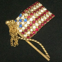 Patriotic USA Flag Brooch Pin Ruby Red Sapphire Blue Crystal Rhinestone Gold Tone Dangling Chains Fourth of July Vintage Jewelry 618m