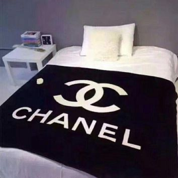 CHANEL Fashion Comfortable Warm Flannel Conditioning Throw Blanket Quilt For Bedroom Living Rooms Sofa I