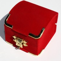 Premium RED FLOCKED SINGLE RING BOX WITH GOLDEN COLOR CORNER