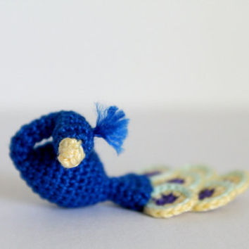 Tiny Crochet Peacock: PDF PATTERN (ENGLISH only)