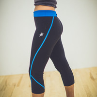 Low Rise Capri Legging in Blue