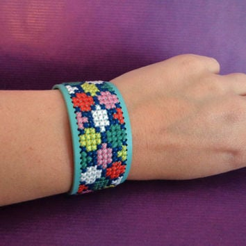 Cross stitch faux leather bracelet, embroidered cuff. Mint, geometric pattern, light green.