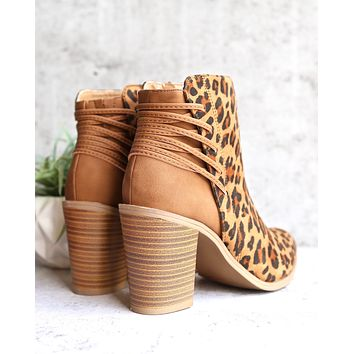 very volatile - lacey women's boot - tan/leopard