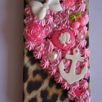 IPhone 4/4s Kawaii Decoden Leopard Print Kawaii Case with Barbie, Bows, Bling and Anchor