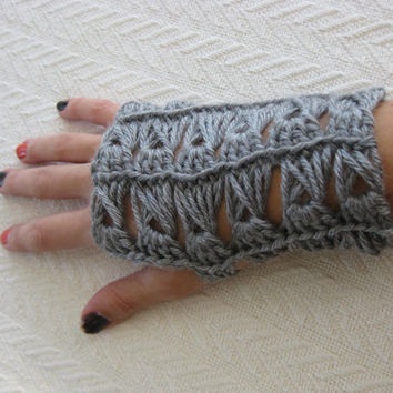Crochet Fingerless Gloves Broomstick Lace Gray