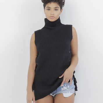 KNIT IT IN LACE UP SWEATER - BLACK