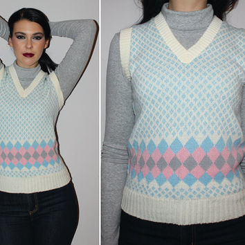 Vintage 70s ARGYLE SWEATER VEST / Baby Blue + Cream Harlequin Knit Sweater / Sleeveless Jumper / Small Med