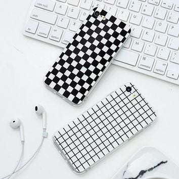 WeiFaJK Luxury Fashion Retro Black White Grid Case For iphone 7 8 Plus Phone Cases For iphone 5 5s 6 6s Simple Back Cover Capa