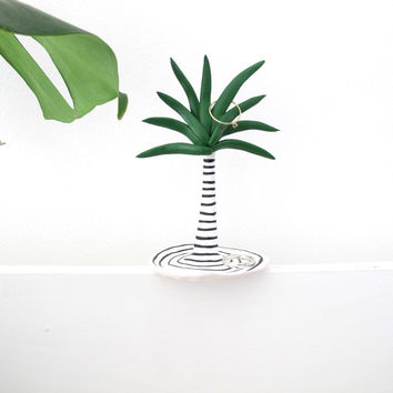 Palm Tree Ring Dish