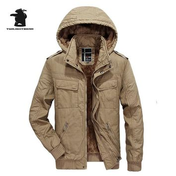 High Quality Brand Casual Cotton Lined Jacket Thickening New Fashion Winter Jacket Men Free Warm Coat Parkas C8F8610