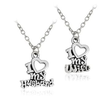 2Pcs Retro Couple Necklace I Love My Husband/Wife Letter Necklace Key Chain Square Matching Engraved Heart Letter Necklace Set