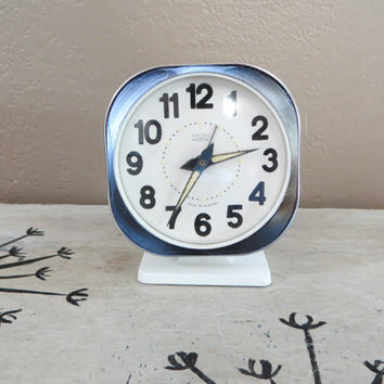 Working Mom Alarm Clock Vintage Alarm Clock Vintage Desk Clock Bedside Clock Modern WInd Up Clock Retro Alarm Clock Black White Modern Clock
