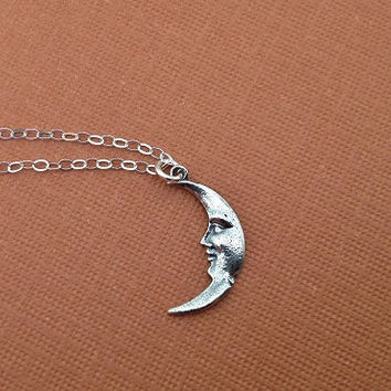 Crescent Moon Necklace in Sterling Silver by TangerineCrimeScene