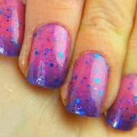 Red Hot: Temperature changing mood gradient polish with glitter Full size .5 oz. Coco Allure