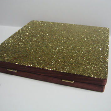 Dark Red Stain and Gold Glitter Textured Magnetic Freedom Makeup Palette