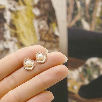 Pearl Shell Stud Earrings / oyster earrings, seashell earrings, silver, gold, rose gold / E082