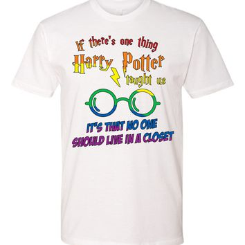 Potter no one should live in a closet Tshirt or tanktop - Harry Potter fans - lgtb - hogwarts - out of the closet - rainbow theme - pride