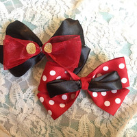 Disney Mickey and Minnie mouse bow set