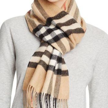 VONE05 Burberry Heritage Camel Check Scarf 3929522 Brand New With Tags