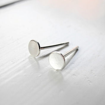Circle Stud Earrings,Tiny Round Sterling Silver Post Earrings,Sterling Silver Studs,Silver Hypoallergenic Jewelry,Round Geometric Jewelry