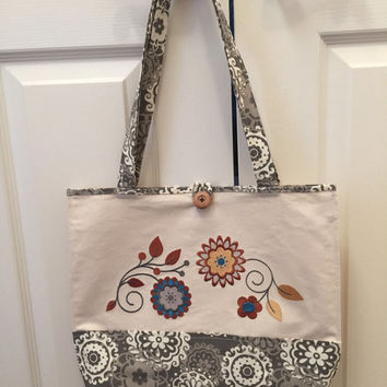 Handmade Embroidered Tote with Pockets - Floral Motif