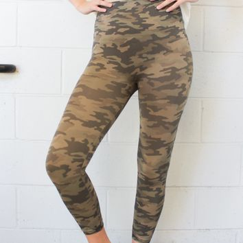 SPANX Look At Me Now Cropped Leggings - Desert Camo